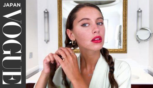 アイリス・ロウの欠点を隠さないスキンケアと、赤リップメイク。| Beauty Secrets | VOGUE JAPAN